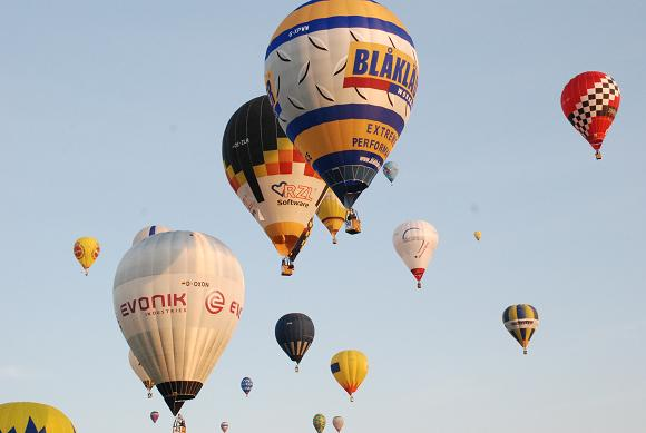 Peter Ollson i Blåkläder-ballongen